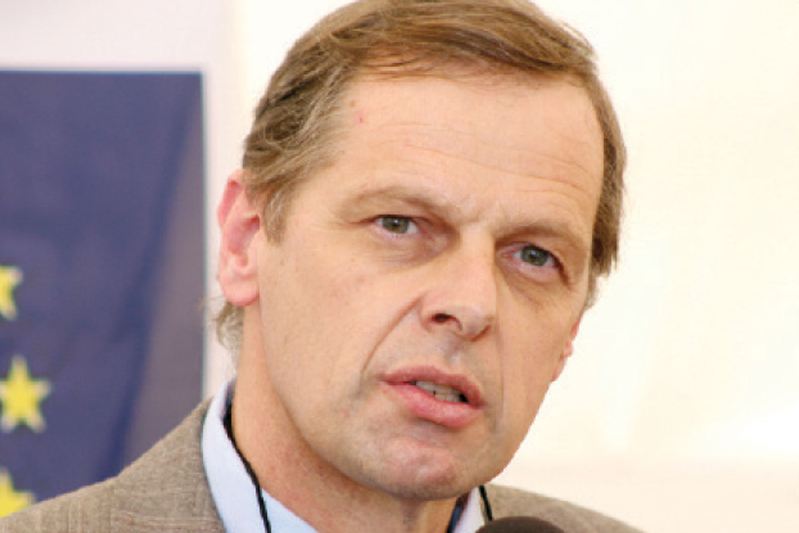 On the Hot Seat programme Journalist Violet Gonda spoke to European Union ambassador to Zimbabwe Philippe Van Damme on the bloc's re-engagement strategy on Zimbabwe, land compensation and elections. What will be the EU position on Zimbabwe post Brexit?